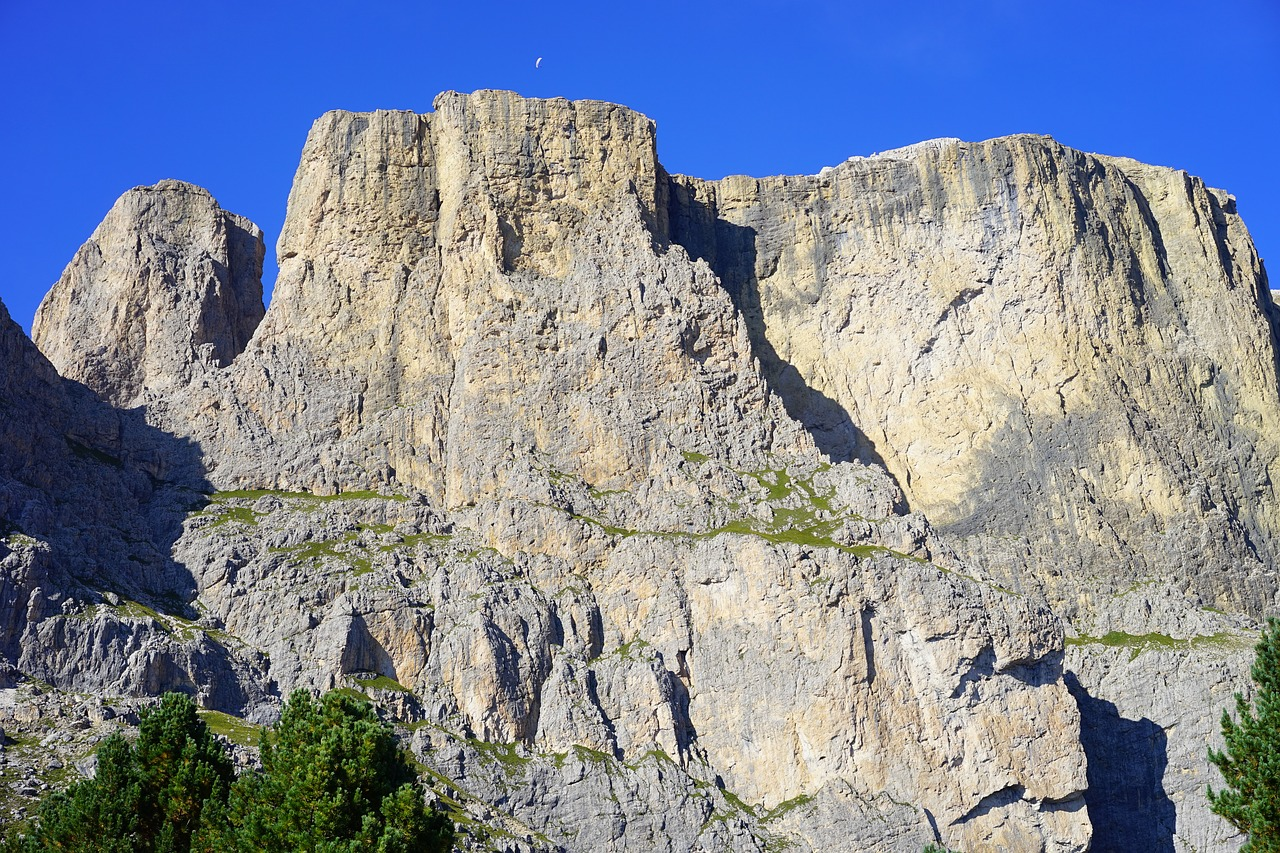 the third sella tower piz ciavazes dolomites free photo