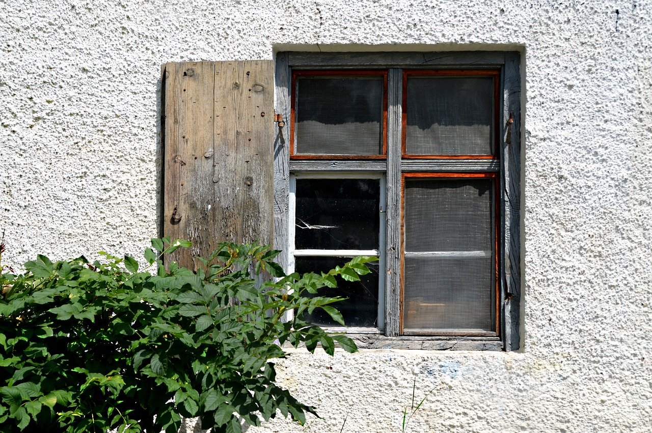 the window to the yard old window decay free photo
