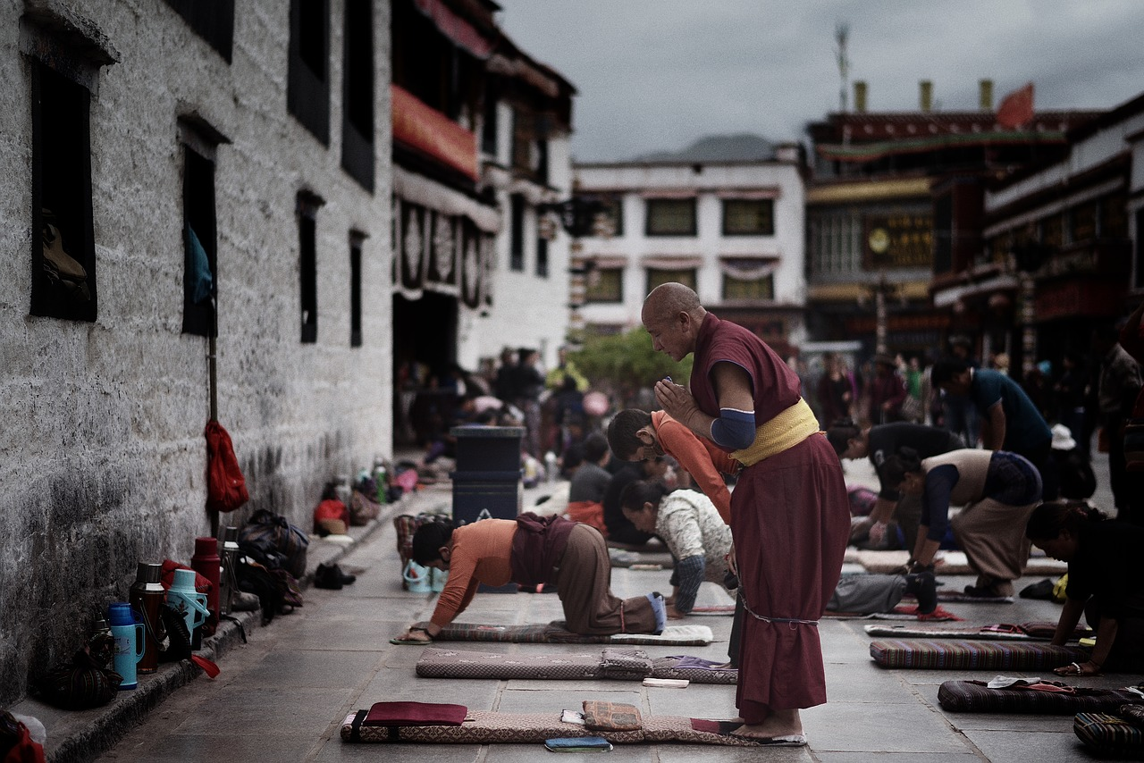 tibet,jokhang,temple,lhasa,tibetan,buddhist,prayer,buddhism,monastery,free pictures, free photos, free images, royalty free, free illustrations, public domain