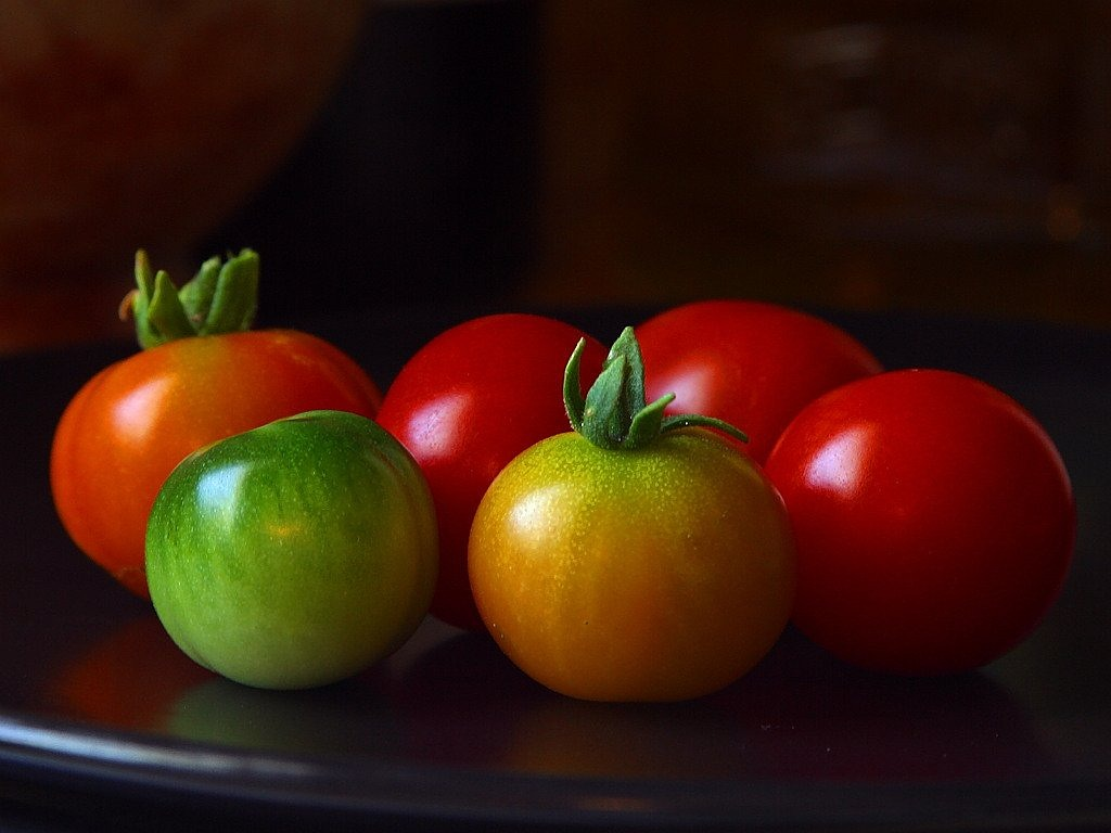 tomatoes green red free picture