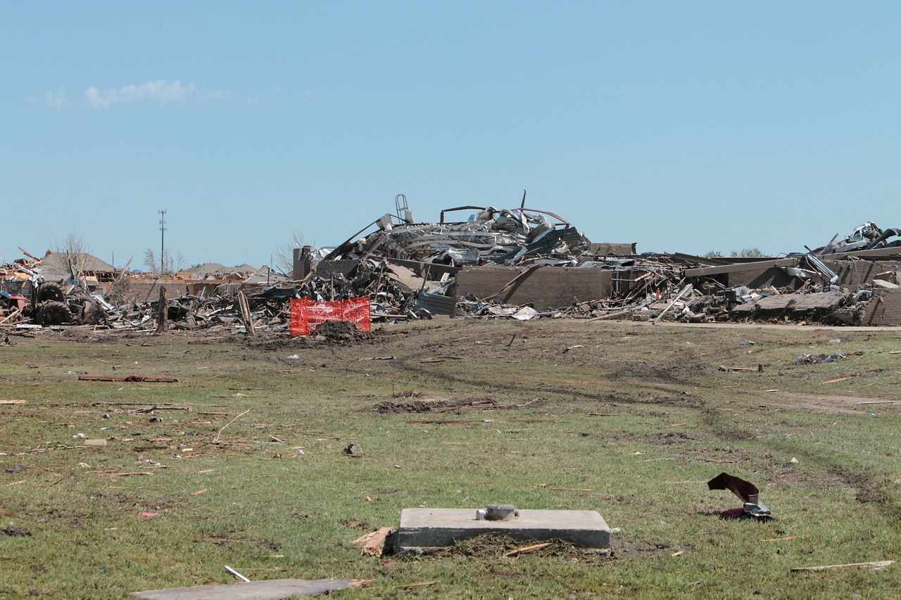 tornado destruction moore free photo