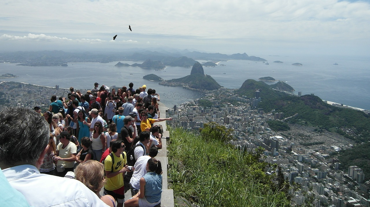 tourists viewpoint sugarloaf free photo