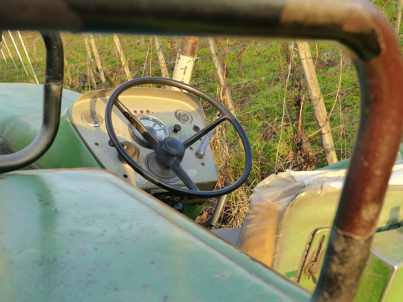 tractor tractors steering wheel free photo