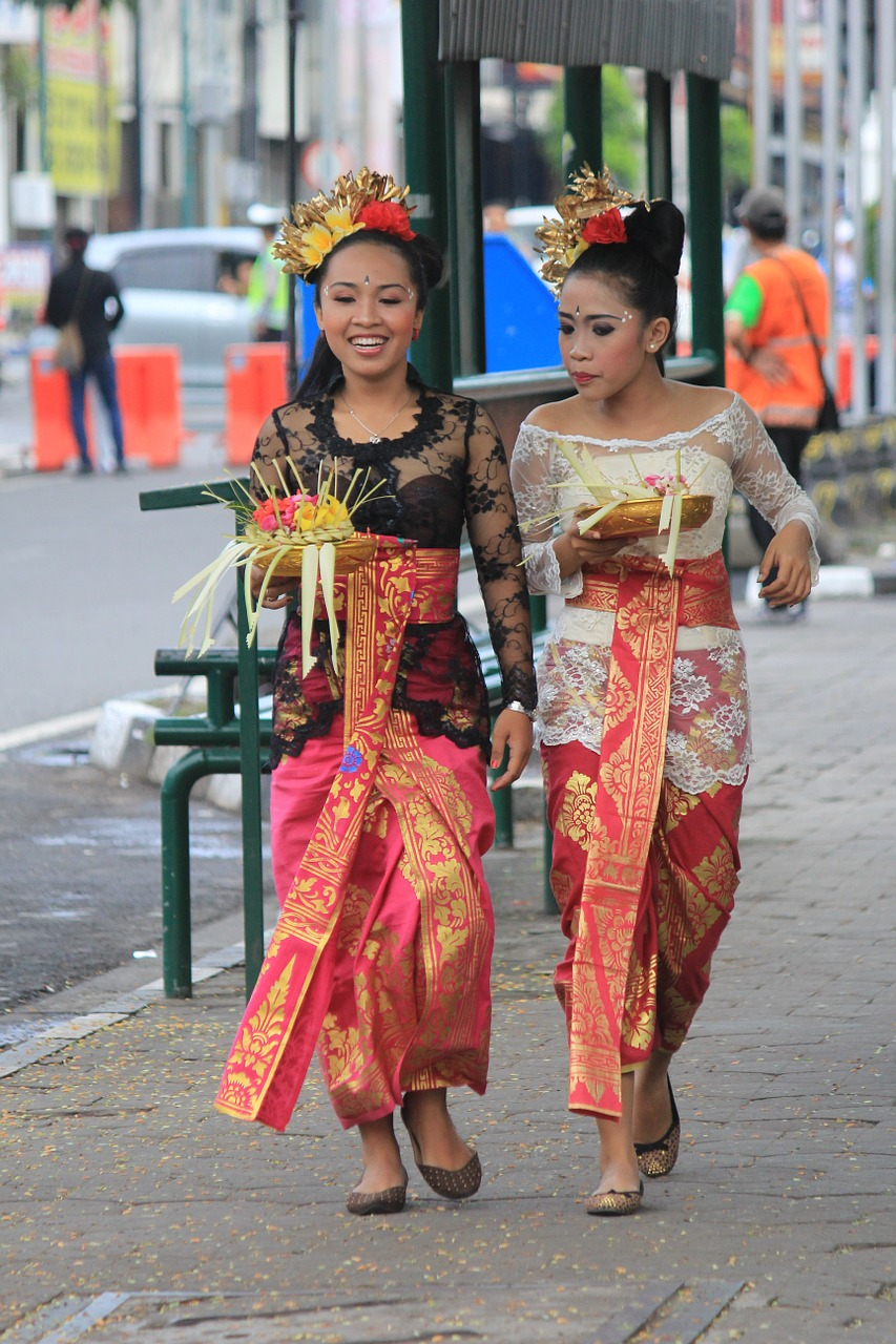 Traditional Clothes Style People Bali Indonesia Free Image