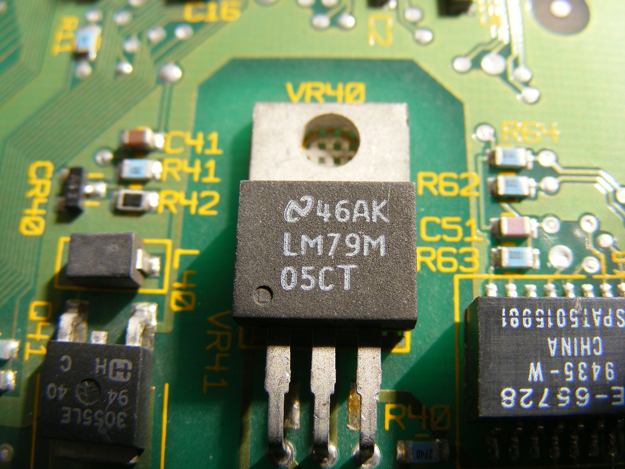 transistor chip electronics free photo