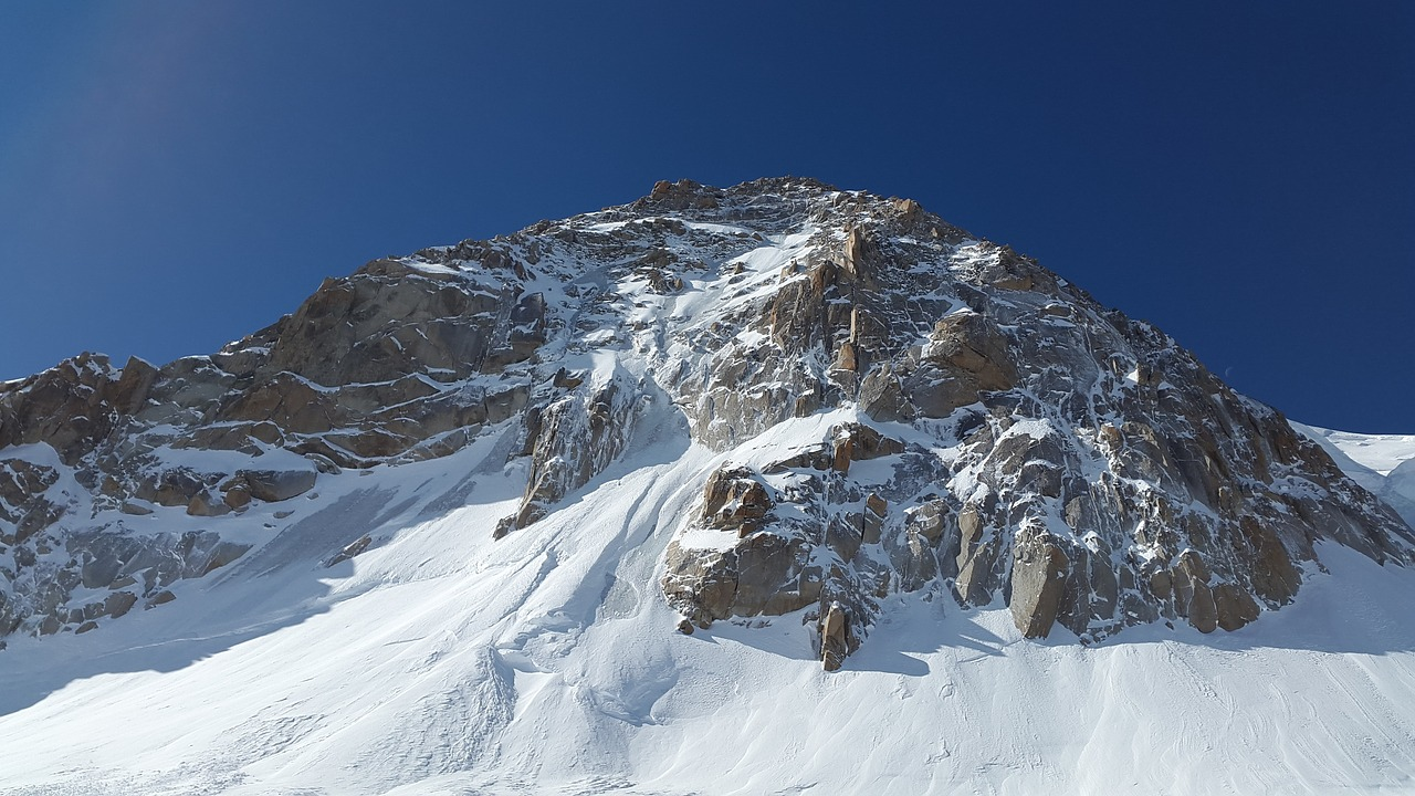 triangle du tacul mont blanc du tacul high mountains free photo