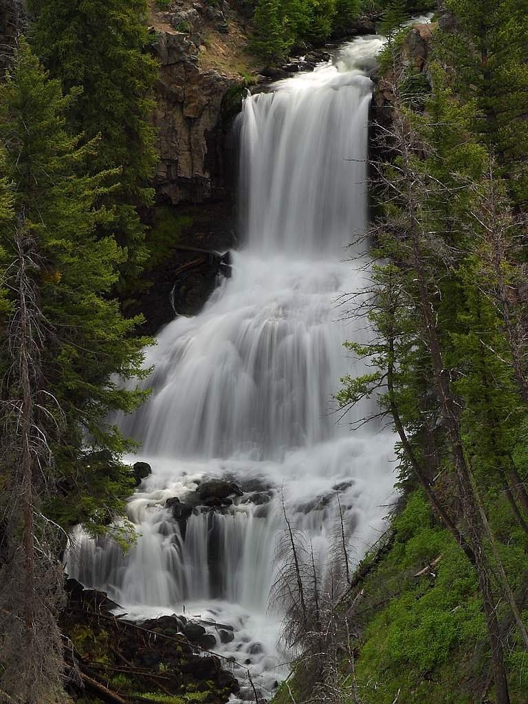 undine waterfall yellowstone national park free photo