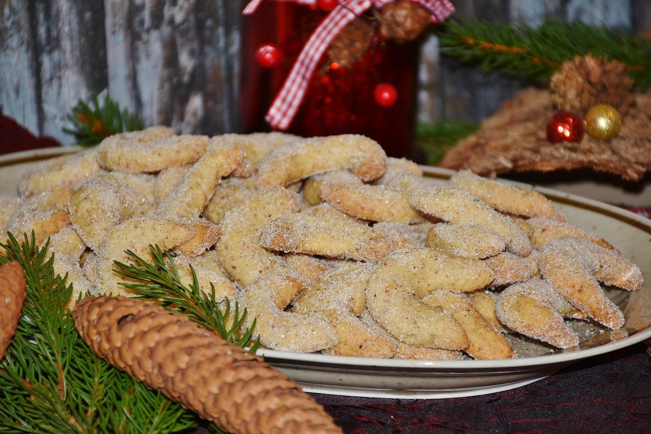 Vanillekipferl Cookie Christmas Cookies Cone Shape Bake Free Photo