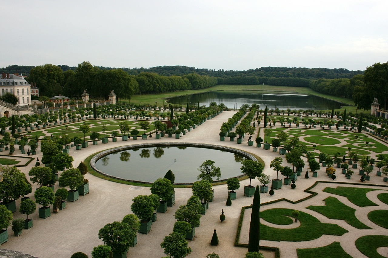 versailles palace of versailles gardens of versailles free photo