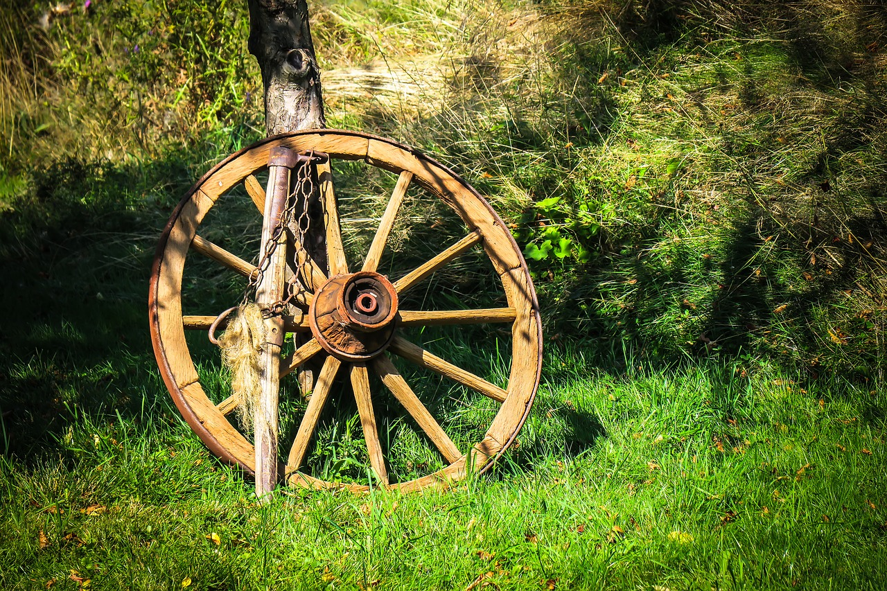 wagon wheel wheel wooden wheel free photo