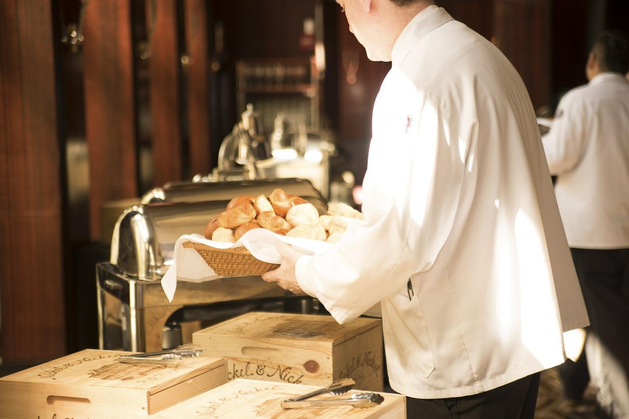 Waiter,bread,deliver,serve,food - free image from needpix.com