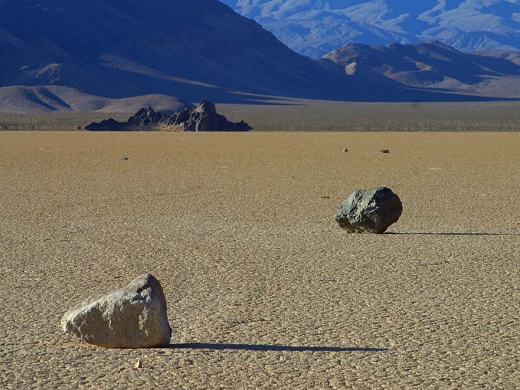 wandering rocks stones death valley free photo