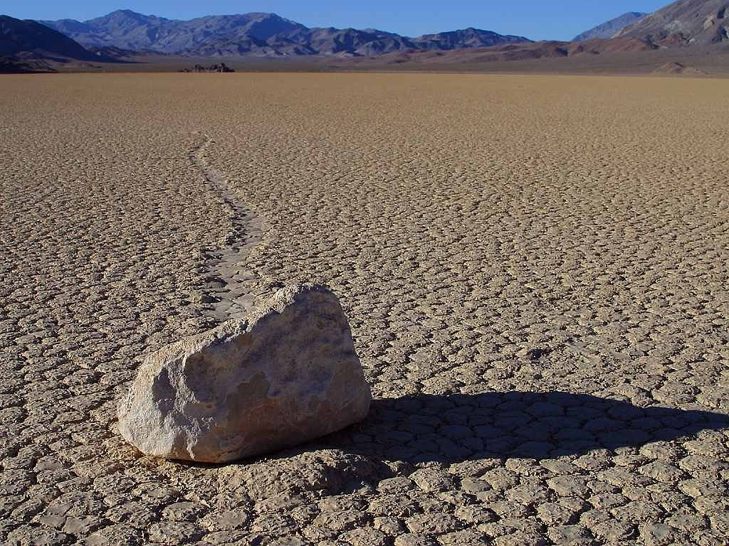 wandering rocks stones death valley free picture