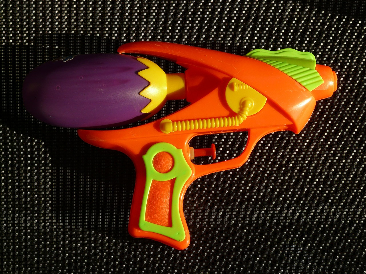 water gun spray gun pistol free photo