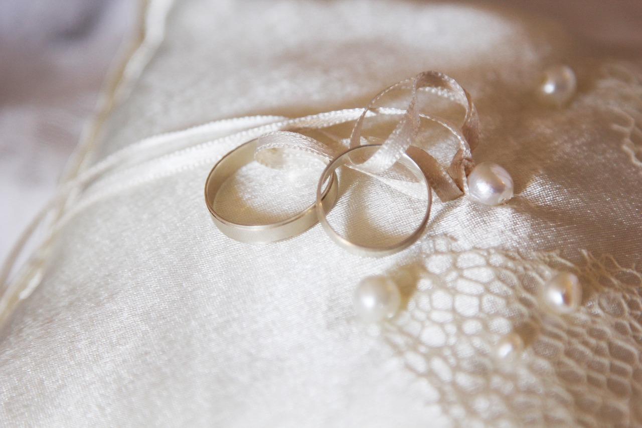 wedding ring hoop free photo