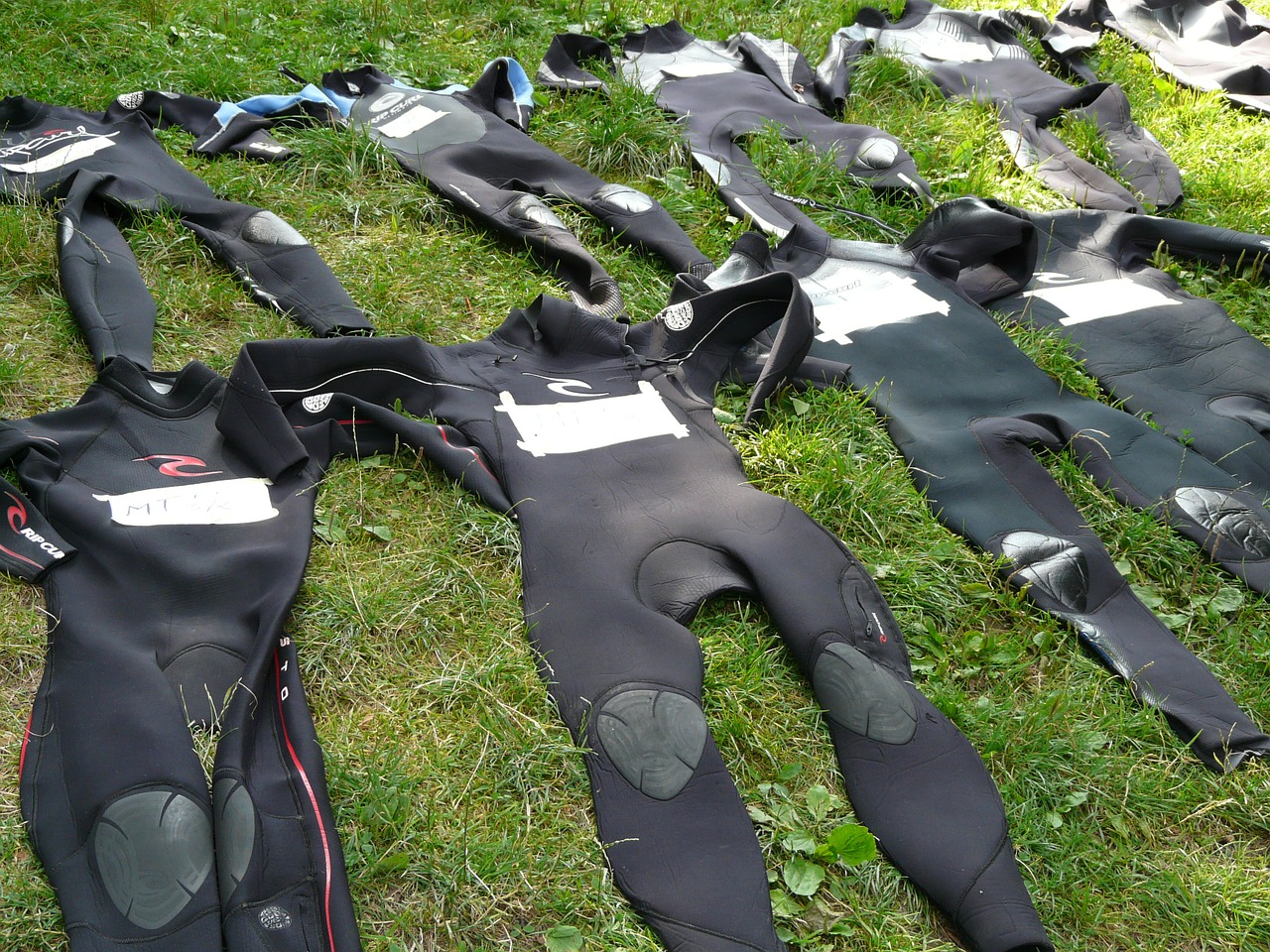 wetsuits suit black free photo
