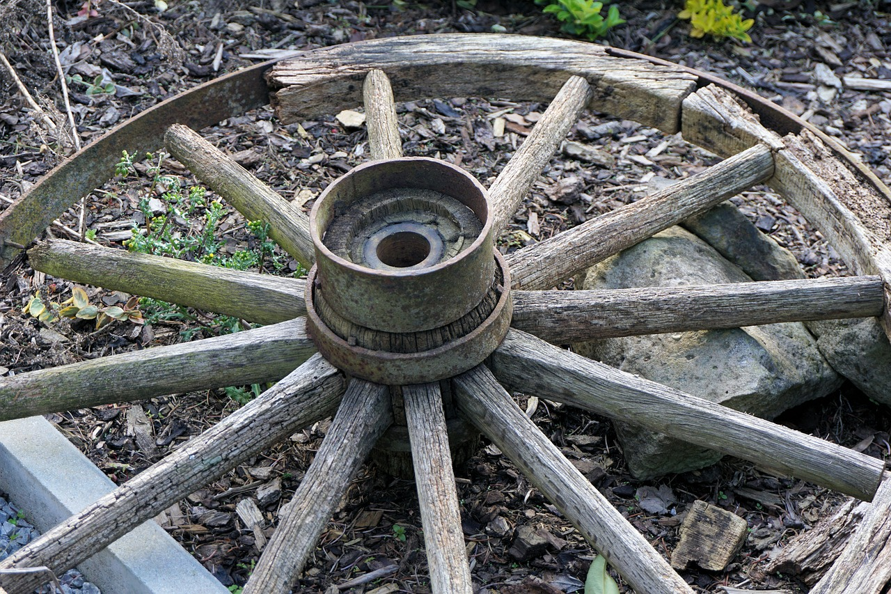 wheel wooden wheel old free photo
