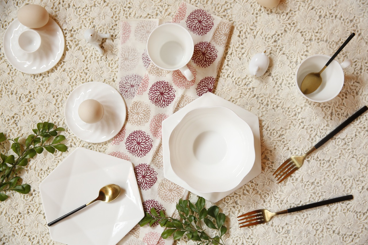 white tableware western-style free photo