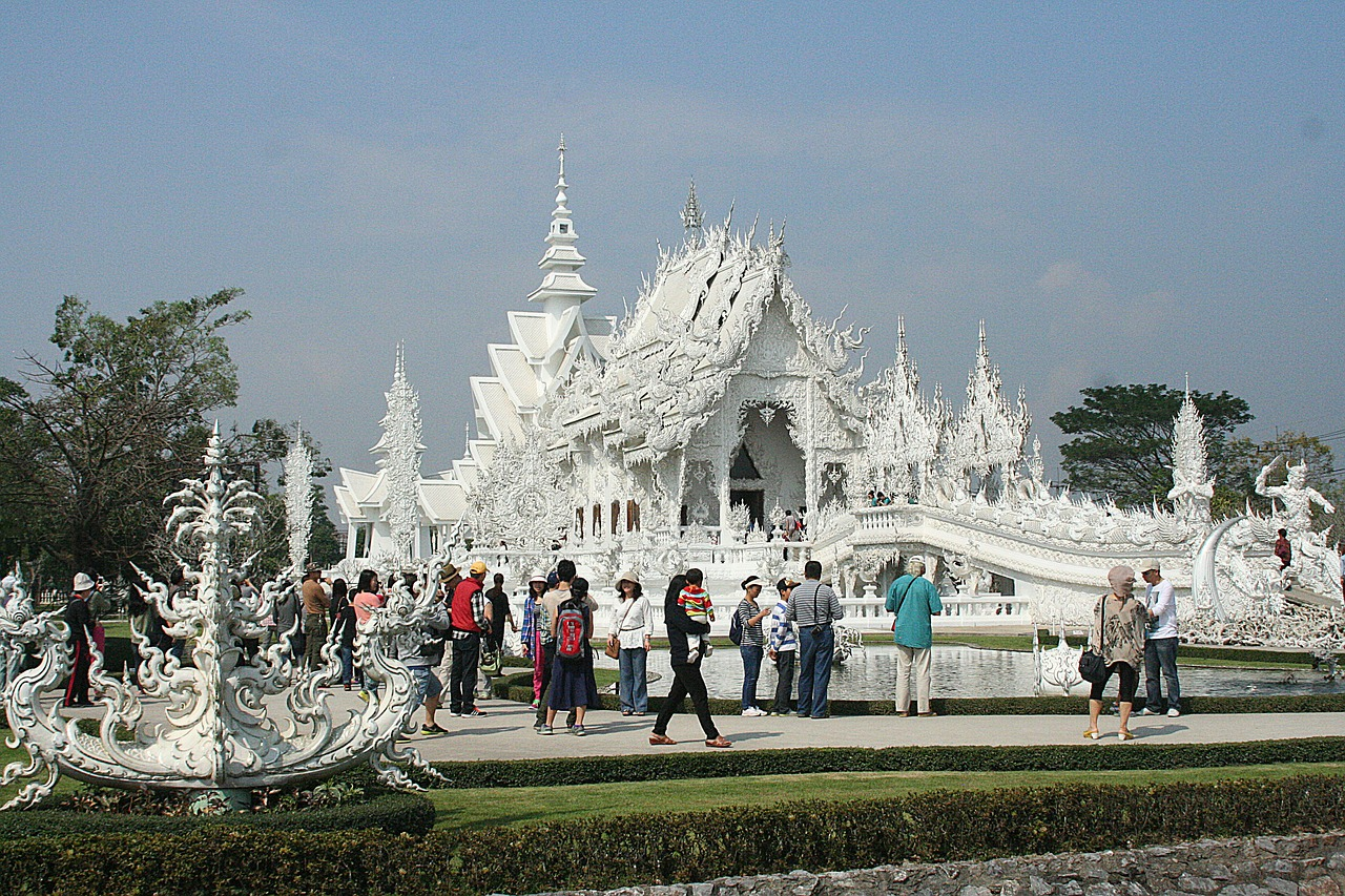 white temple, thailand, beautiful, architecture, buddhist, asia, travel,free pictures, free photos, free images, royalty free, free illustrations, public domain