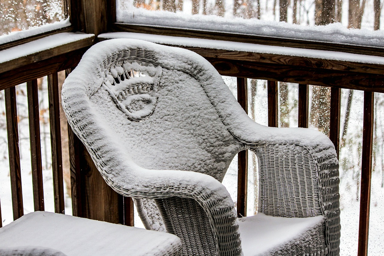 wicker chair,porch,chair,season,white,cold,ice,snow,winter,frost,snowy,frozen,outdoor,weather,snowfall,cool,frosty,snowstorm,blizzard,snow-storm,free pictures, free photos, free images, royalty free, free illustrations, public domain