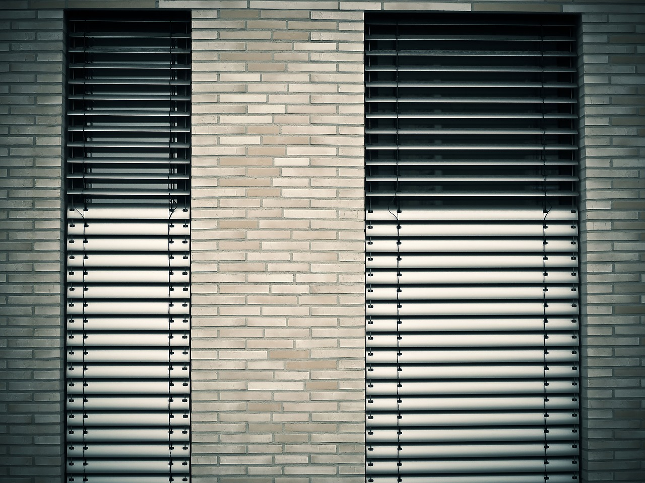 window architecture venetian blinds free photo