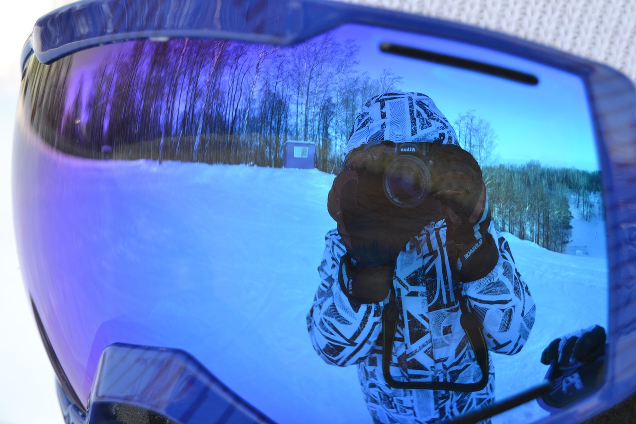winter snowboarder reflection free photo