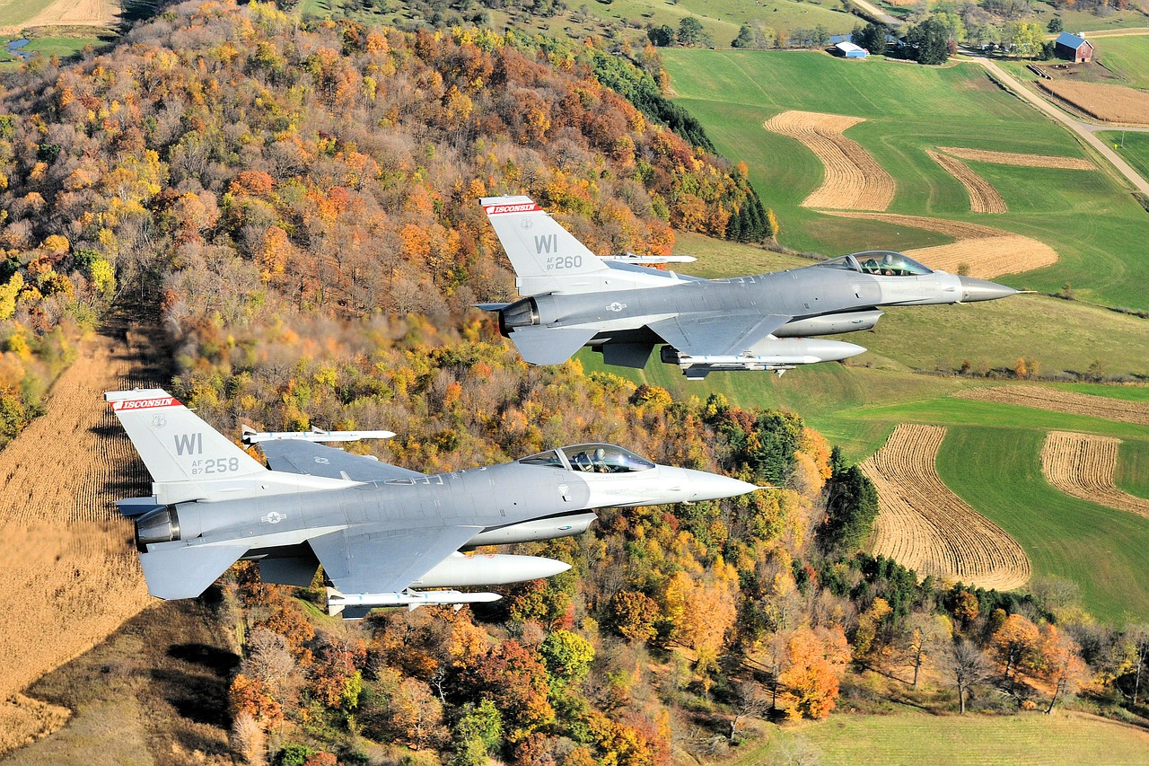 wisconsin jets fighters free photo