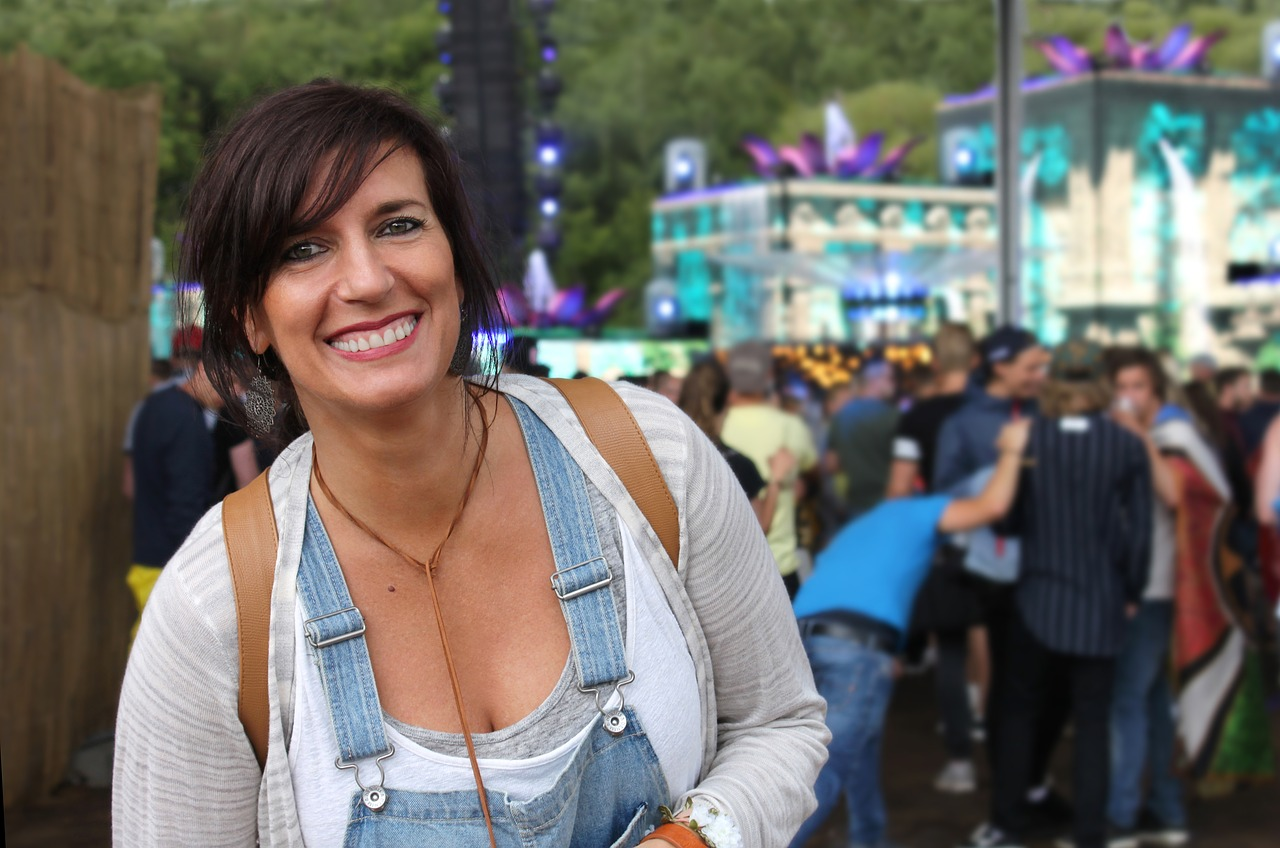 Woman,festival,tomorrowland,smile,laugh - free photo from needpix com