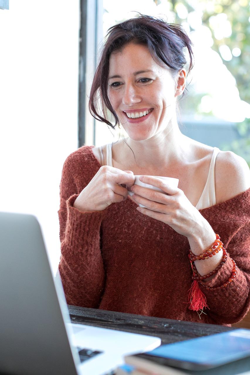 Columnist dating, Website dating for moms single