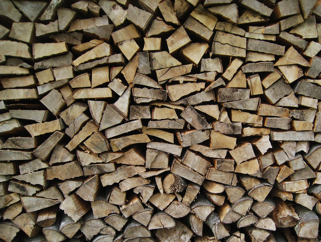 wood for the fireplace holzstapel wood finn free photo