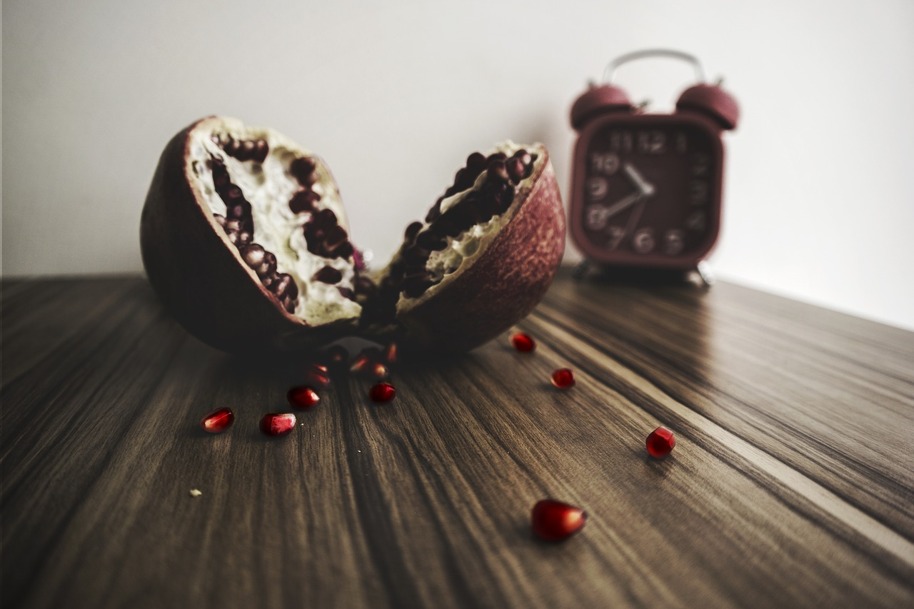 wooden,table,pomegranate,pulp,fruit,food,vitamins,free pictures, free photos, free images, royalty free, free illustrations