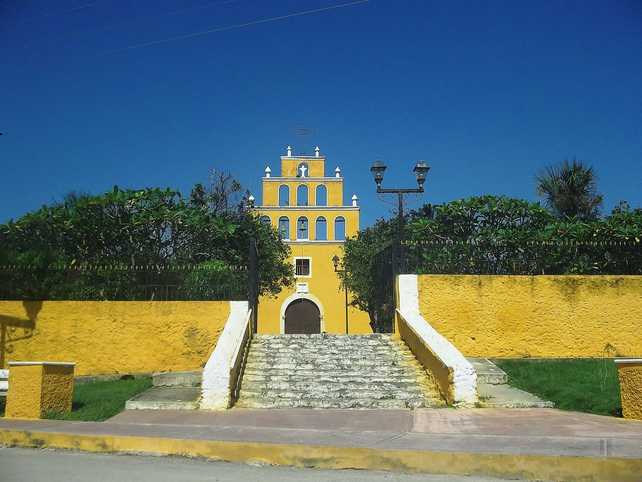 yucatan mexico church free photo