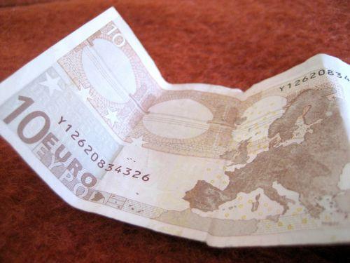 10 Euros Richer