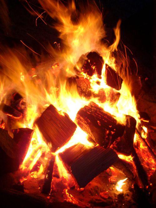 liepsna, Ugnis, deginti, karštas, anglis, židinys, židinys, liepsna, oranžinė, švytėjimas, raudona, šiluma, šiltas, deginimas, ugnies liepsnos