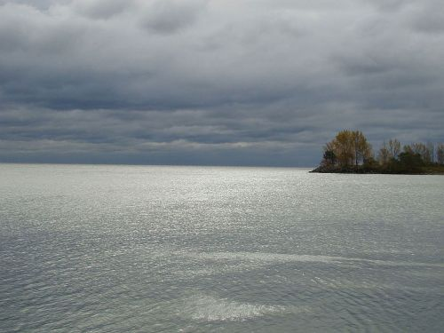 ežeras, vanduo, vėjas, debesys, dangus, audra, sala, medis, ežeras