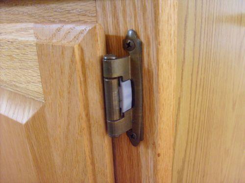 brass,doorhinge,screw,wood,woodgrain,door hinge