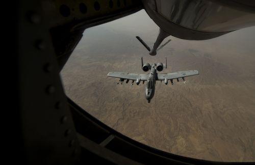 a-10 warthog refueling