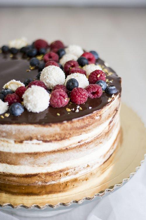 a cake  pie  dessert