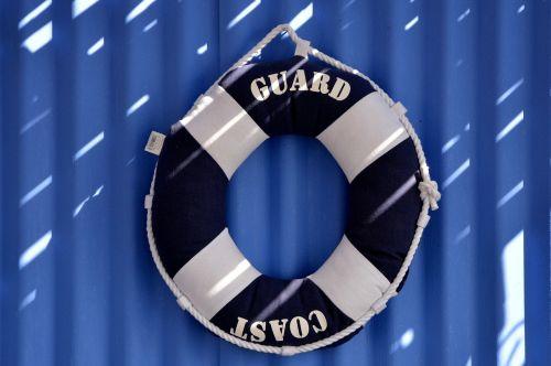 a life preserver ναυαγωσωστες blue