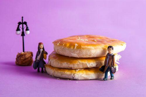 a romantic encounter bread meet