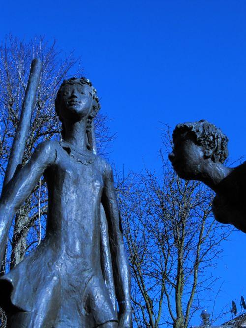 aachen sculpture stalk
