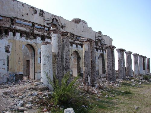 abandoned ruins building