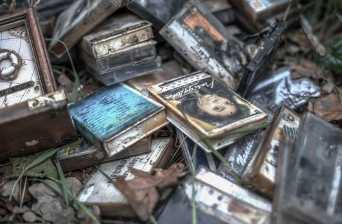 abandoned tapes hdr