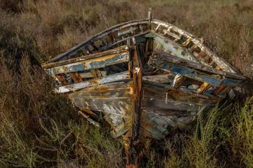 abandoned ship earth without the sea