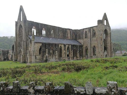 abbey tintern spooky