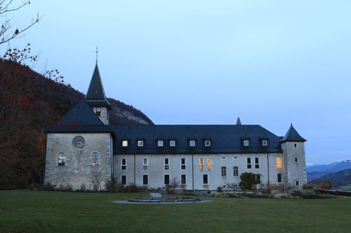 abbey  tamié  peace