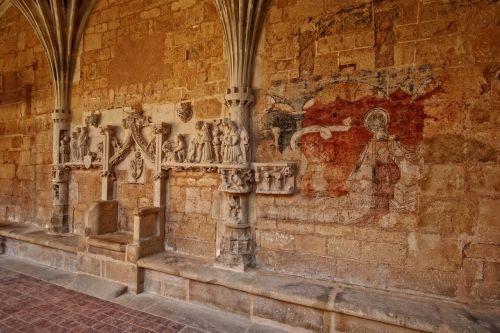 abbey of cadouin dordogne périgord