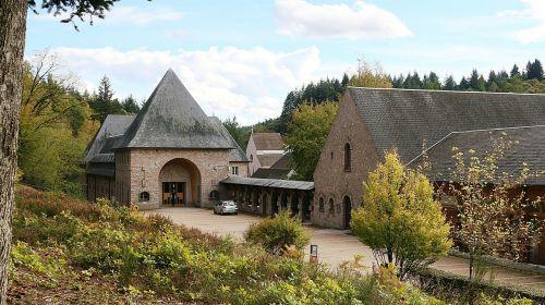abbey stone that turns abbey burgundy