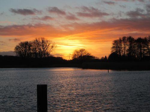 abendstimmung afterglow lake