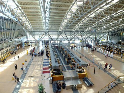 abflug hall airport hamburg
